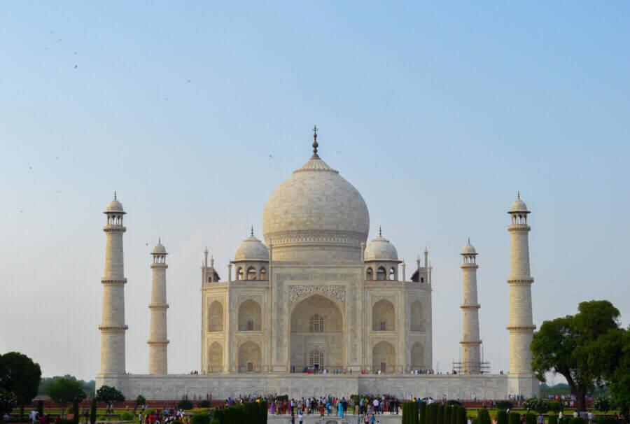 The Taj mahal in the blazing sunlight