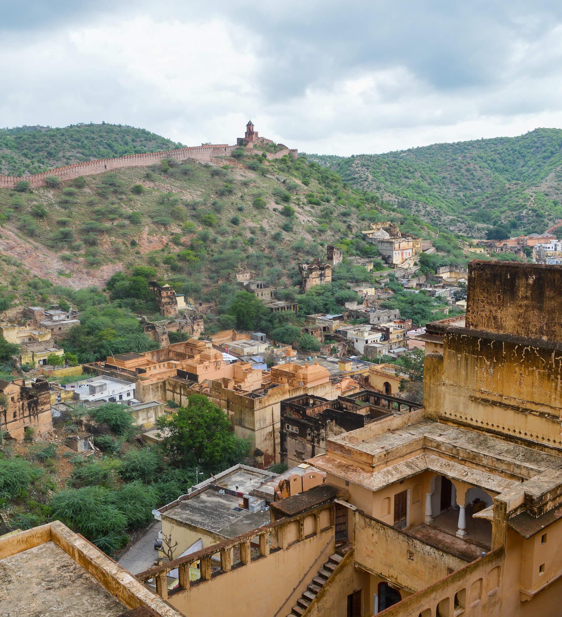 Rugged Terrain surrounding Amber Fort in Jaipur